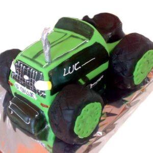 Tort in forma de tractor -0