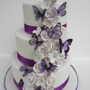 Tort de nunta cu fluturi